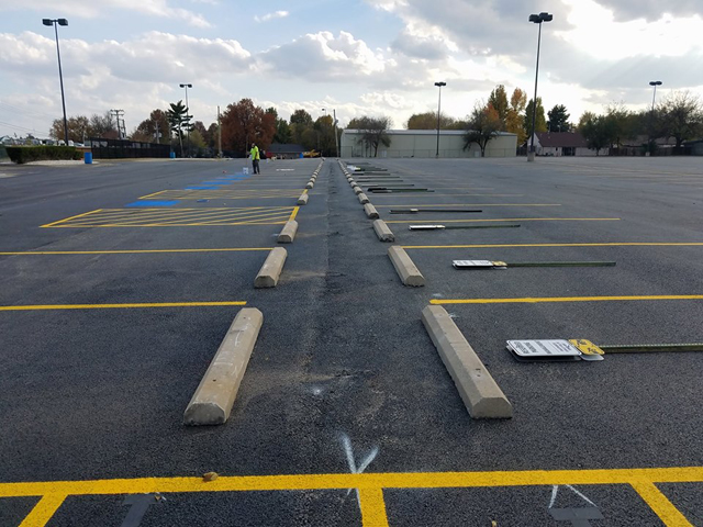 commercial building maintenance and parking lot sealcoating and striping